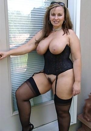 MILF Corset Porn Pictures