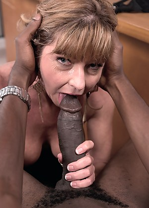 MILF Gonzo Porn Pictures