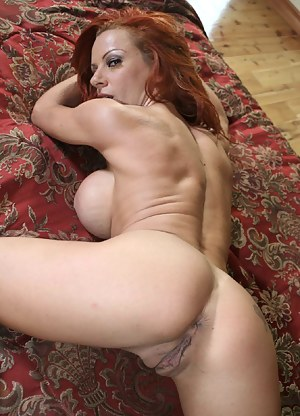 MILF Pussy Porn Pictures