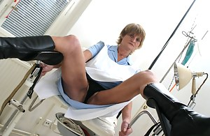 MILF Gyno Porn Pictures